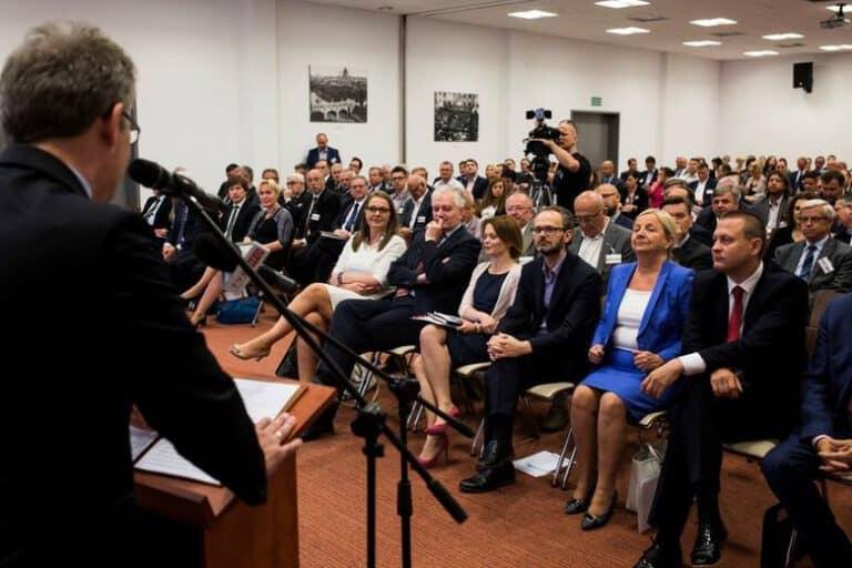 Obowiązkowy samorząd gospodarczy - opinia Fundacji Republikańskiej